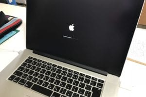 画面がちらつくMacBookPro