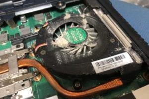 CPUファンの清掃修理