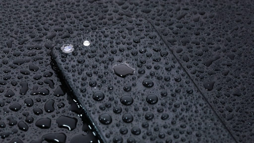 iPhone水没