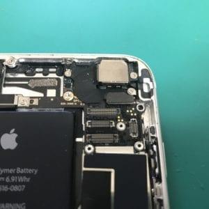 iPhoneカメラ内部