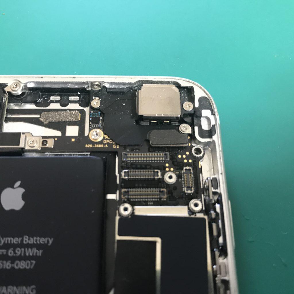 交換修理を行うとカメラが使えなくなる可能性
