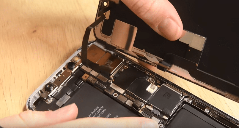 iPhoneを民間でも「修理する権利」