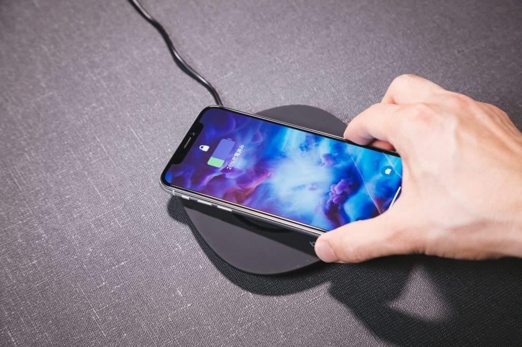 iPhoneXQI充電できない原因