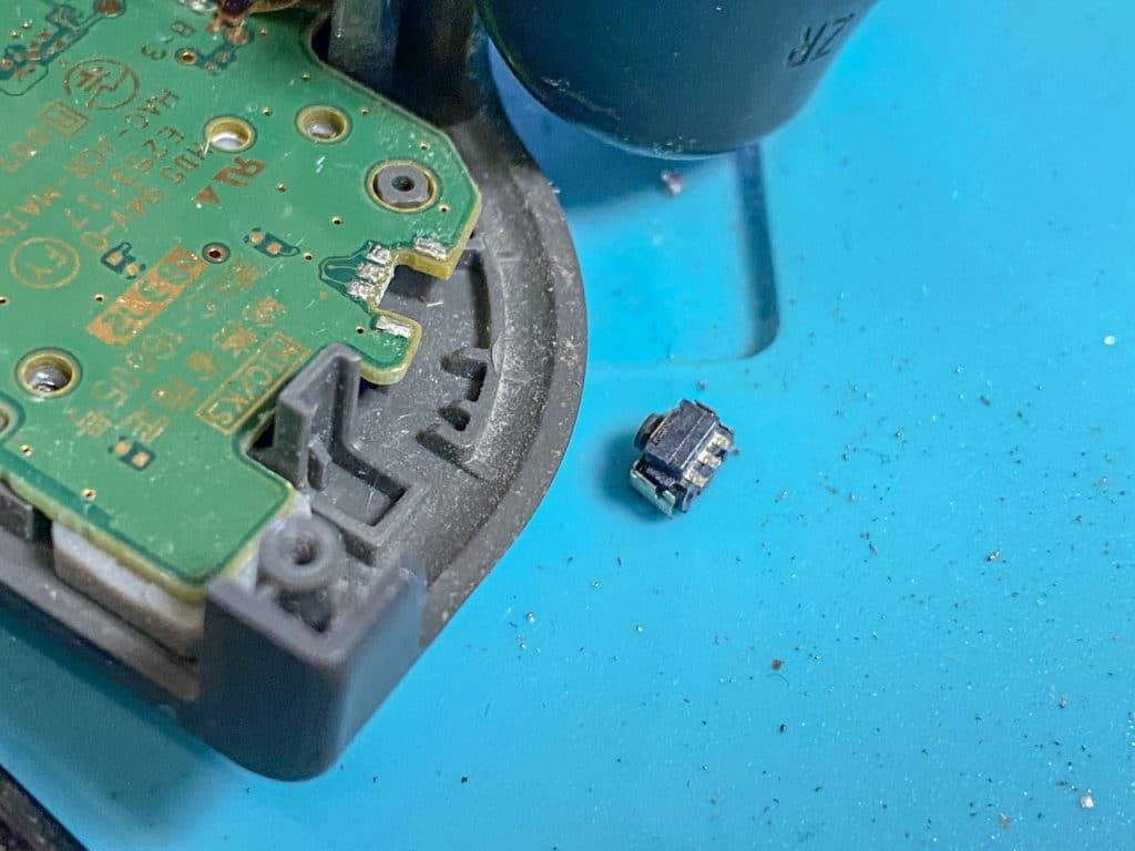 SwitchのRボタンが取れた