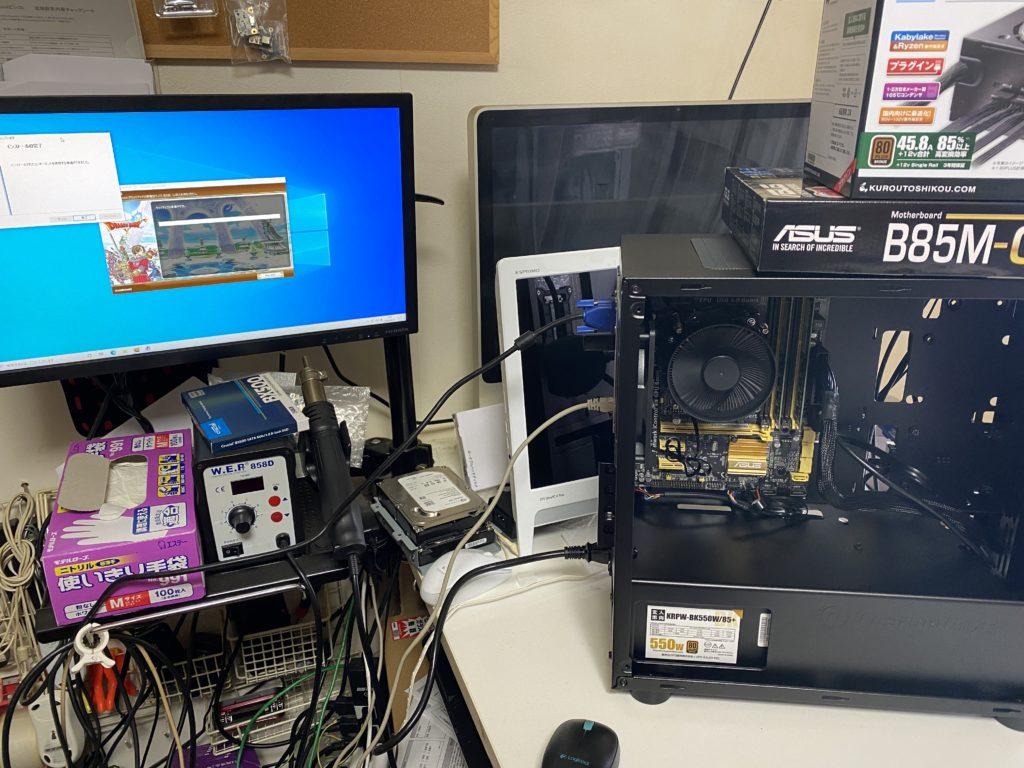 組み上がった格安パソコン