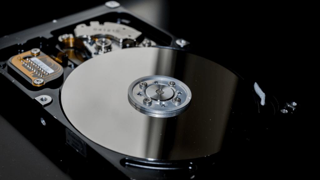 PCにSSDの搭載が当たり前になった世の中では定期的なバックアップは必須になりました
